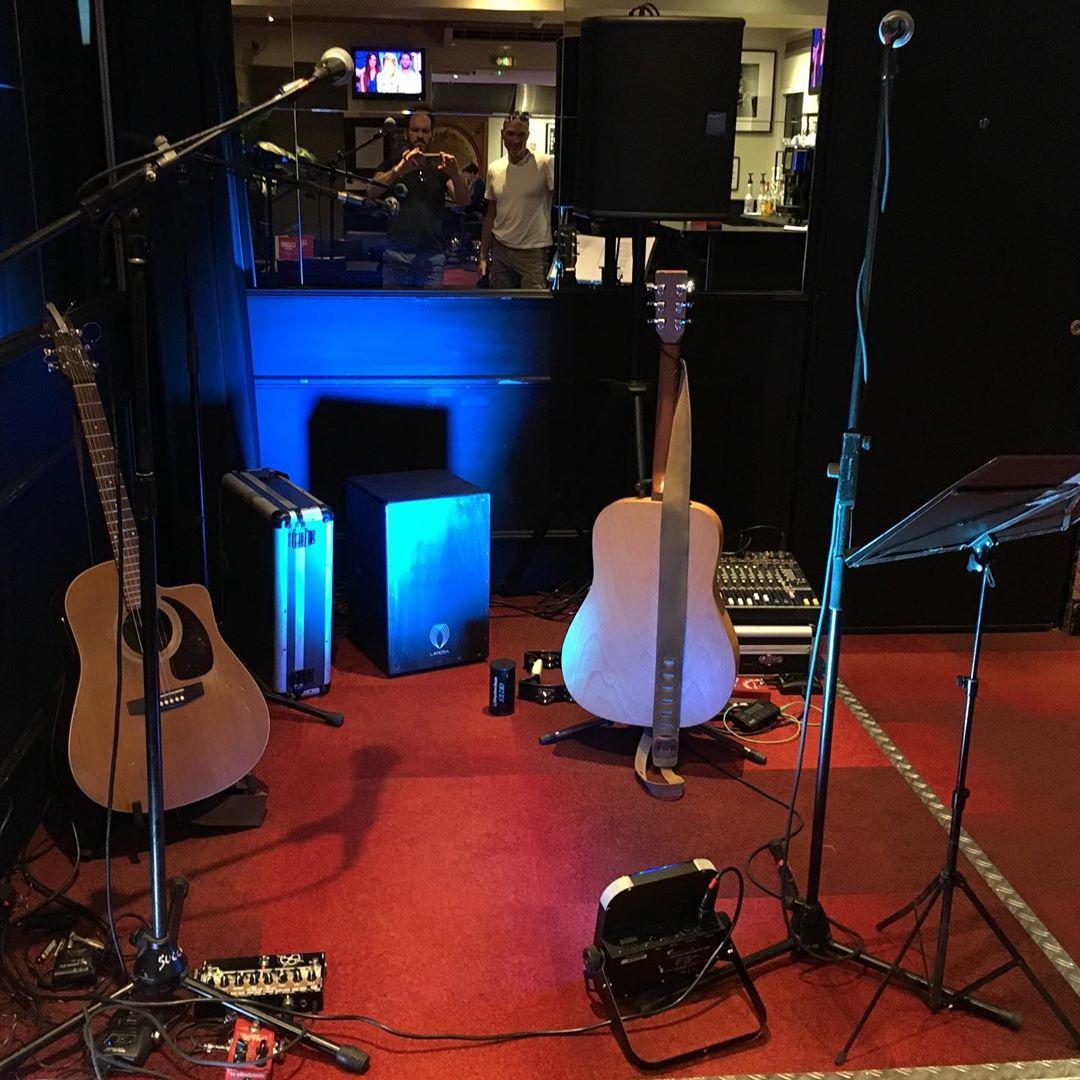 En mode acoustique Trio avec Bootz ce soir :) au bistro des artistes Arcachon ! @bootz_groupe